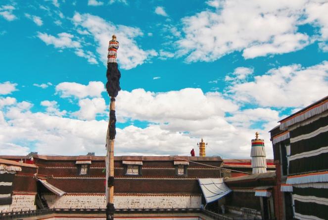 日喀則 扎什倫布寺 看風景的喇嘛